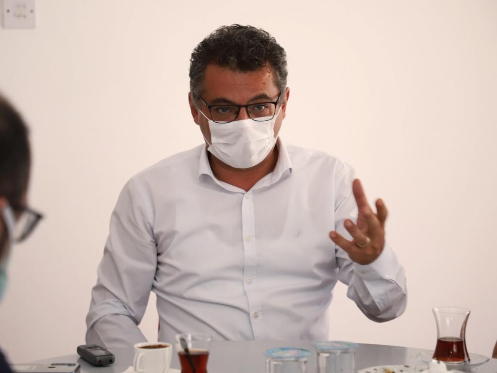 Erhürman: Sağlık çalışanlarına çok şey borçluyuz